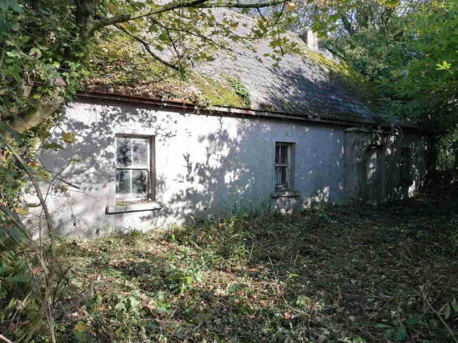 Public Auction by P.J. Broderick Auctioneers: 25 acres Agricultural Land With Old Dwelling