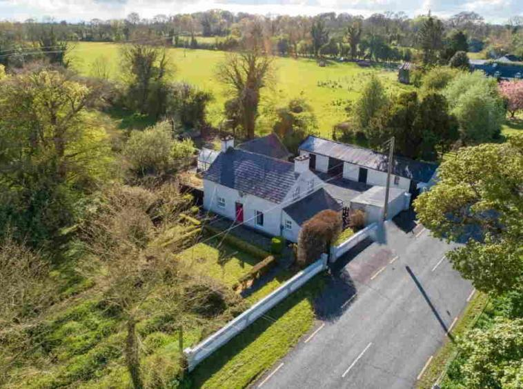 James L. Murtagh Auctioneers are delighted to offer for sale by Public Auction this charming residential c.25 acre holding at Carne, Castlepollard, Co. Westmeath.