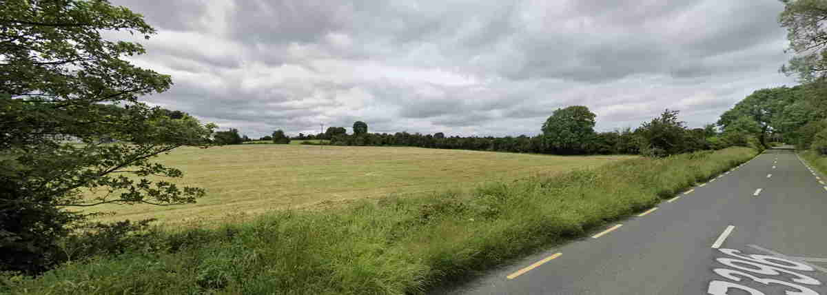 On the Market from Eammon Drake Auctioneers: 31 Acre Attractive Farm Holding with Great Potential & Road Frontage